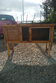 Presentable lightweight hutch for guinea pig / small rabbit hutch