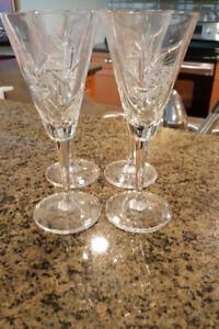 4 flutes à champagne et sucrier/pot/ plateau Pinwheel