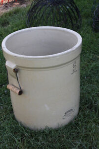 Medalta 5 gal crock pot
