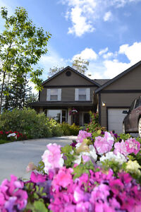 Tumbler Ridge Executive Home /Fully Updated/ 2 Greenbelt Lots