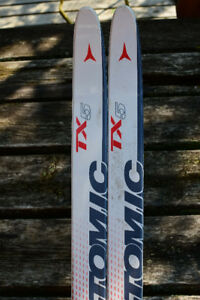 Atomic TX-5 waxless skis 179mm with Fischer Profil bindings