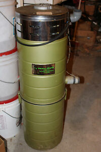 CENTRAL VACUME CANISTER $25 Kingston Kingston Area image 1