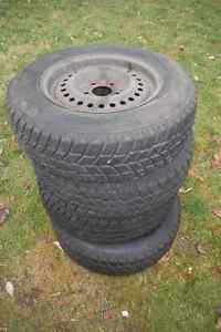 Practically new: 4 snow tires on steel rims 205/70/R15 Kitchener / Waterloo Kitchener Area image 2