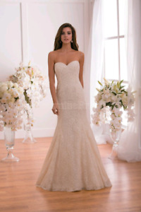 Ivory Wedding Dress -not used- size 8