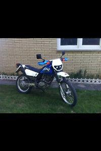 2001 suzuki DR200 (5900 KMs)