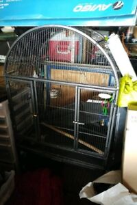 I large cage, for big or small birds. Its brand new!