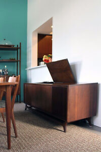 Wanted: Vintage/Antique Record player cabinet