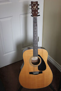 FS/T Yamaha Solid Spruce Top Acoustic+New Strings+Gig Bag