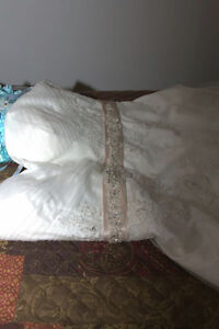 FOR SALE WEDDING DRESS :) St. John's Newfoundland image 1