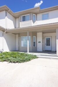 BEAUTIFULLY MAINTAINED 1313 sq ft 3 bed 3 bath CONDO
