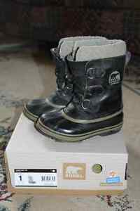 Sorel Youth Yoot Pac TP Boots - Size 1 London Ontario image 1