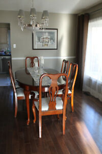 Cherry Finish Queen Anne Dining Room