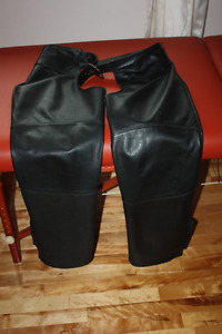Black leather motorcycle chaps (2 pairs)