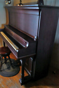 Piano droit Hobart M. Cable Grand Cabinet