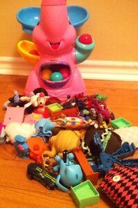 Kids toys elephant popper London Ontario image 1