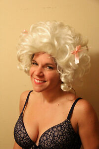 Wigs Marie-Antoinette blond and pink Long brown Perruques