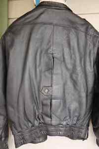 Jacket Luxurious lamb's Size 40 (Medium) North Shore Greater Vancouver Area image 3