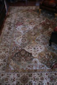 LOVELY LARGE AREA CARPET