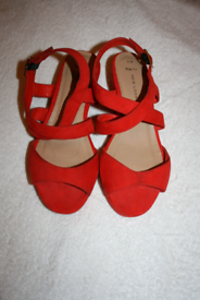 Womens size 6 red shoes