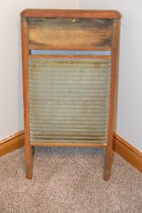Washboard (wooden/glass)