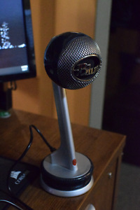 BLUE NESSIE Desktop Microphone