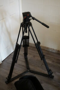Professional Manfrotto 503/525 Video Tripod Kit with Fluid head