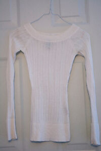 White Long Sleeved Fitted Sweater Top
