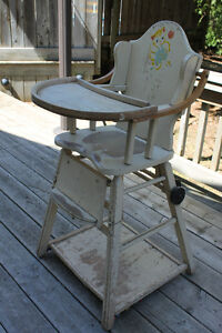 ANTIQUE CONVERTABLE HIGHCHAIR 1946