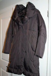 TAHARI Pillow Down Coat - $125