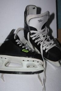 skates for boy size 5 almost new and sharp