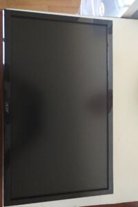 Two Acer displays (Acer 21.5-inch LCD Monitor) + 19""
