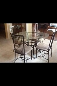 Dinning Kitchen table & chairs