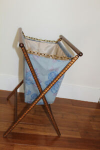 Large Knitting or sewing basket/Panier pour le tricot