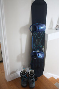 Snowboard with Boots Kingston Kingston Area image 1