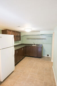 Large lower downtown apartment, June 1st, Renovated, Inclusive