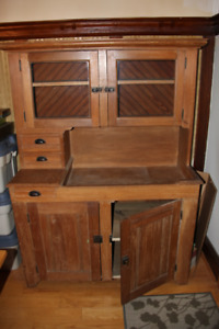 Antique Dry Sink with Hutch