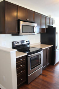 Notting Hill | 2Bdrm+2Bath | Underground Parking, Washer+Dryer