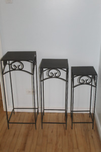 Set of Nesting Metal Table for Indoors or Patio