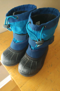 Little boys columbia winter boots - size 11