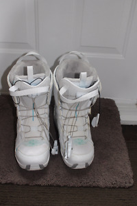 Almost new Salomon boots size 9