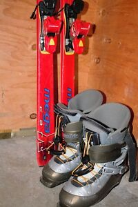 ATOMIC Downhill skis and boots