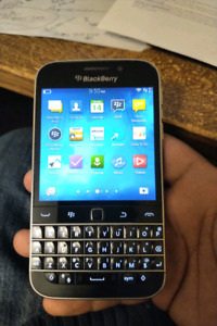 Blackberry Classic Q20 Perfect Condition with Otterbox Defender!