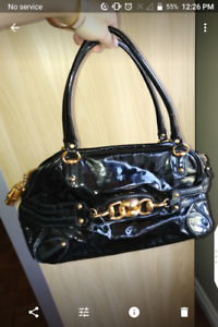 Gucci authentic handbag with dust bag.