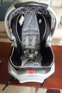 Graco snugride 35 infant car seat with base