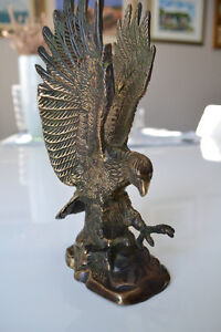 ANTIQUE BRONZE EAGLE STATUE 9 INCHES TALL