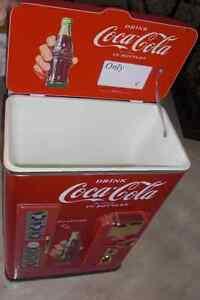 Plastic Coca Cola display cooler Cambridge Kitchener Area image 1
