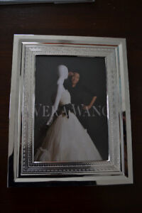Vera Wang 8 x 10 Silver Plated picture frame