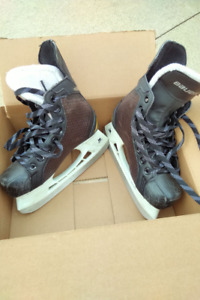 Bauer Supreme ONE.4 Junior skates [Size 3 R(egular) / US 4]