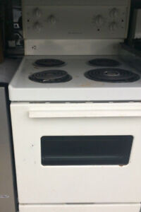 Used Apartment Size 24'' Stove..$275/=Warranty....647 970 1612