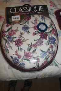 Floral Print Padded Toilet Seat